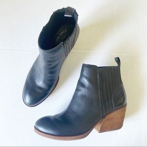 Kork Ease Black Leather Block Heel Booties EUC 8.5